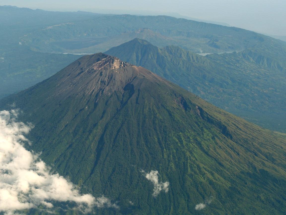 noenk CAHAYA: Gunung Agung